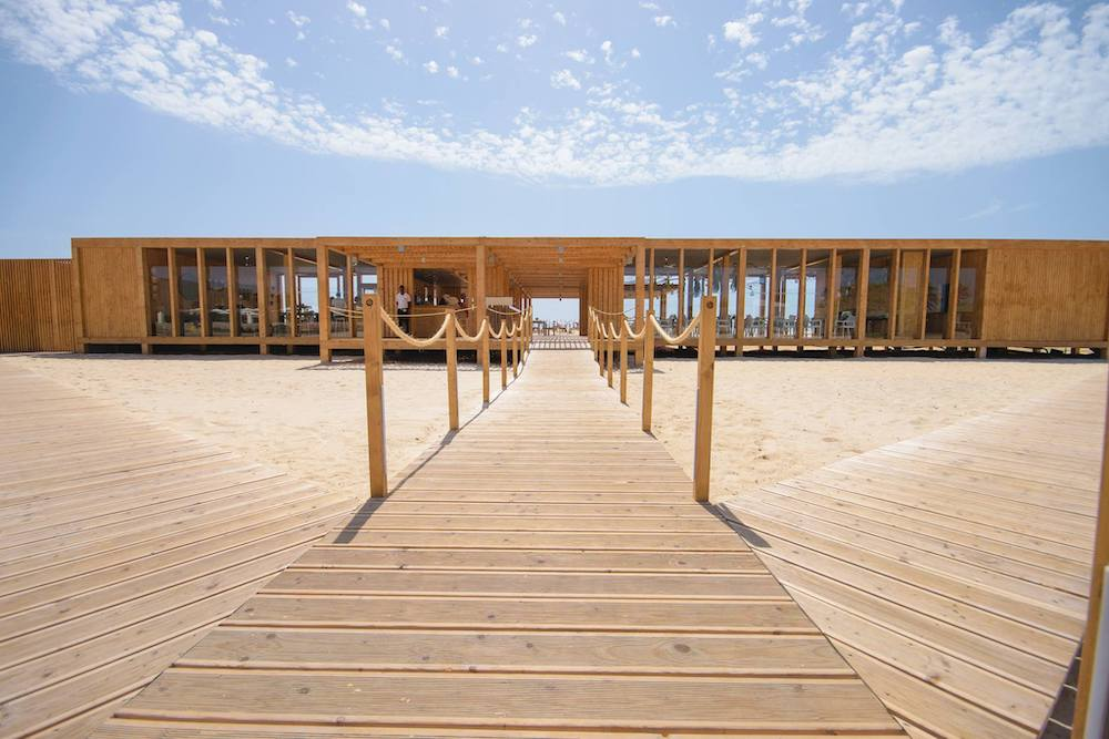 Morna Beach Club